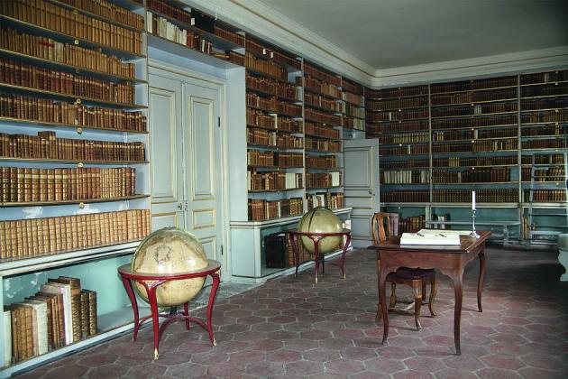 Das gut erhaltene Innere der Bibliothek. foto: Lars-Owe Wennman.